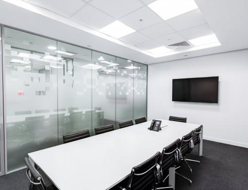 ¿Cómo debe ser la sala de alquiler para una reunión?