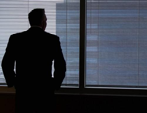¿Por qué no alargar la decisión de despedir a un trabajador?